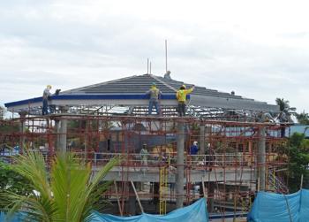 http://www.oceaneeringcontractors.com/wp-content/uploads/2017/05/Roofing-installation-.png